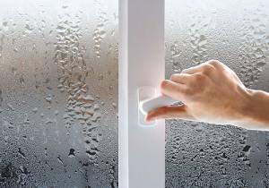 почему потеют пластиковые окна изнутри
