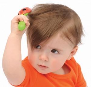 почему чешется голова у ребенка