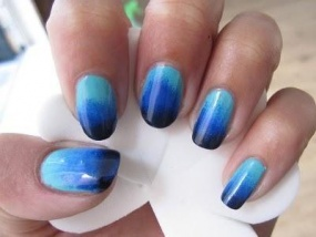 2_manikyur-s-effektom-ombre-gel-lakom-shellac