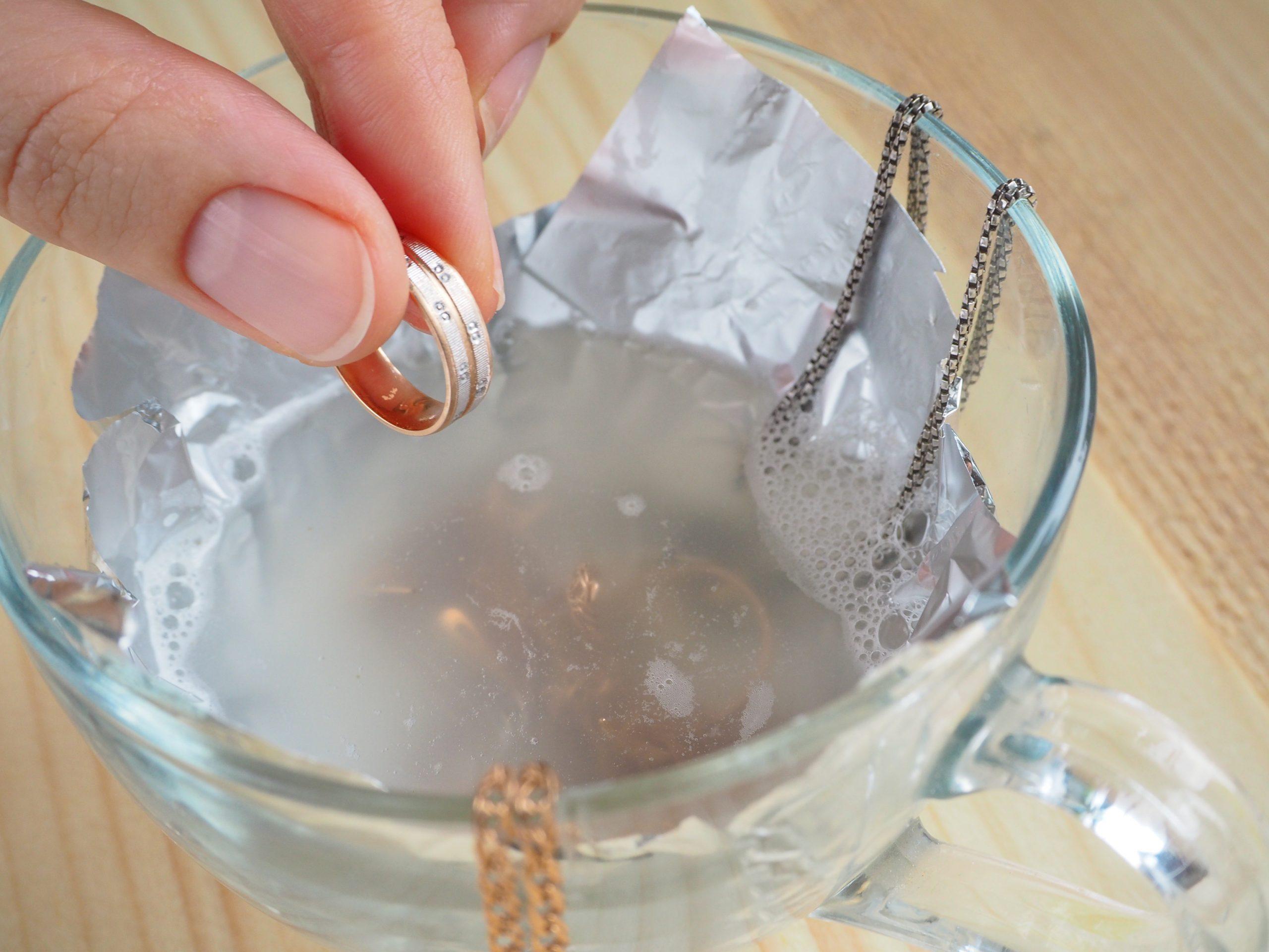 как правильно чистить ювелирные украшения