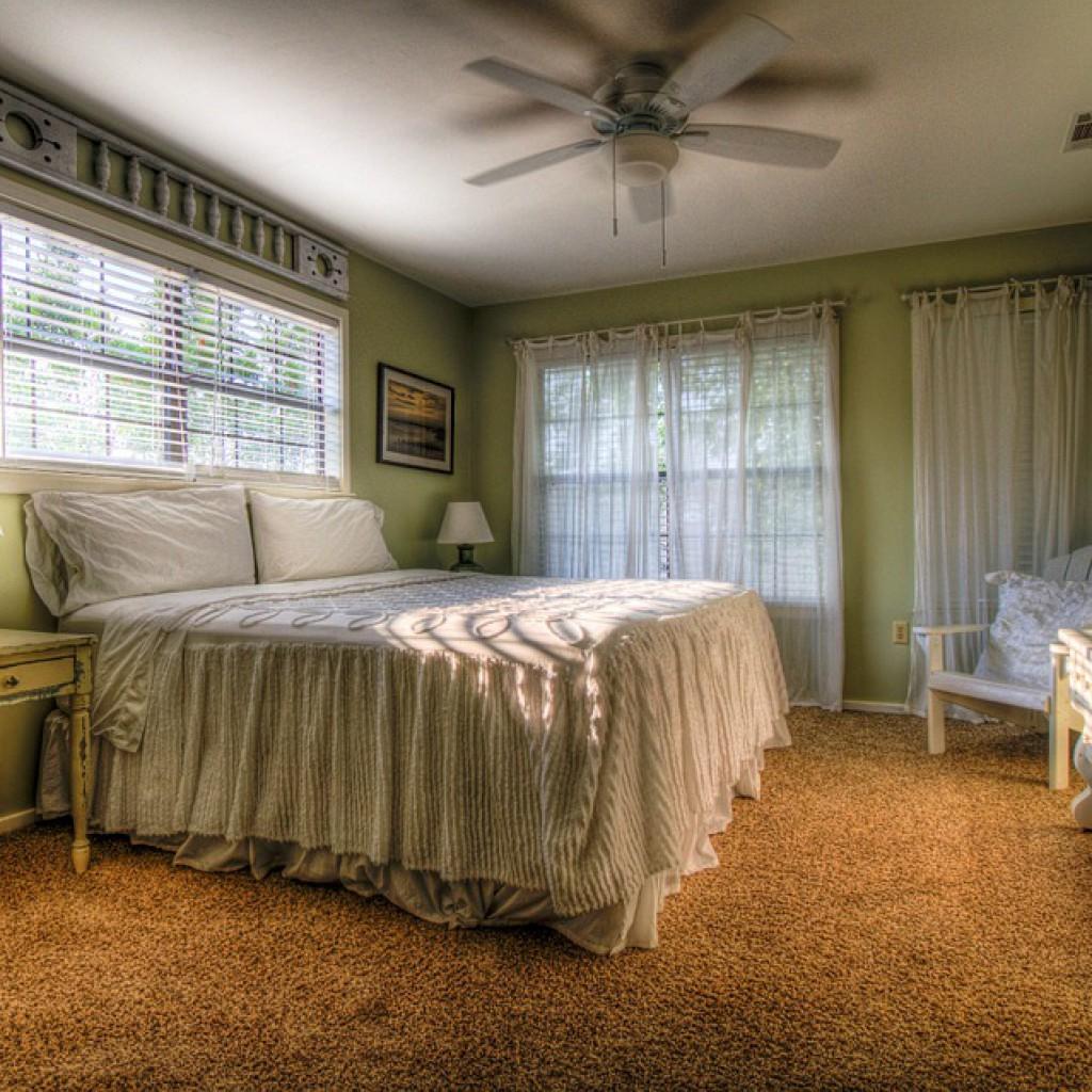 bedroom-349698_960_720