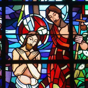 stained-glass-windows-1092850_960_720