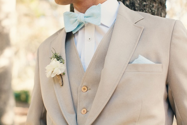 бутоньерка для жениха на свадьбу