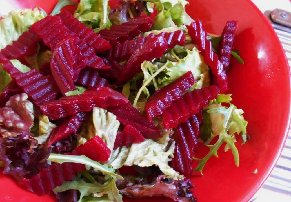 Салат с гречкой и свеклой простой и вкусный